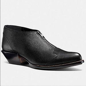Coach • EUC Bandit Zip Shoe